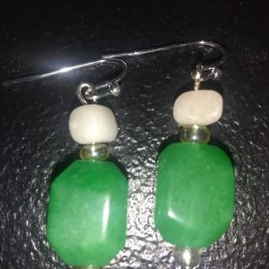 💖💗MAGNIFICENT GREEN JADE EARRINGS 💕